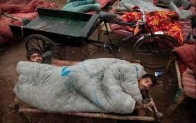 男子怕熱半夜「開3台電風扇」吹著睡!媽媽隔天打開房門驚見「兒子變一具屍體」。