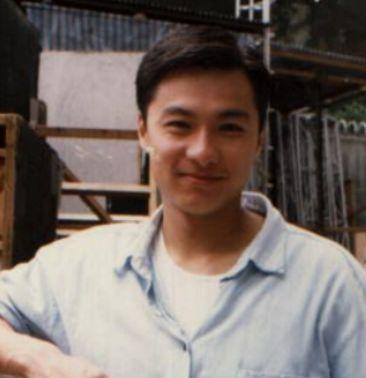 曾是劉嘉玲初戀,梁朝偉情敵「香港第一美男」今妻離子散一夜白頭