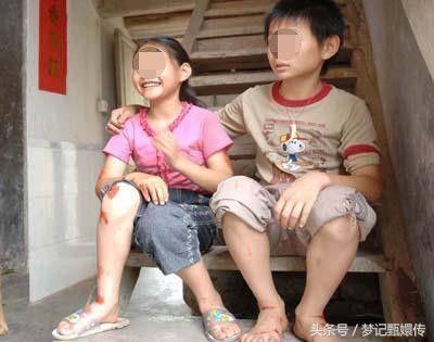 为供弟读书,姐嫁给大龄富豪,几年後姐被赶,出门却看到弟弟