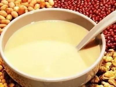 原來喝豆漿並不補鈣?醫生:真正補鈣的食物是這2種,不要吃錯了 !