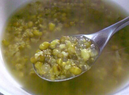 大蒜遇上綠豆,效果太神奇了,對治尿毒症、降低血壓都有所幫助,可惜多數人還不會吃