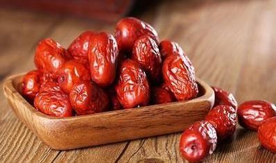 紅棗這樣吃,專治腰膝酸軟、胃寒胃痛、更能補血補腎!