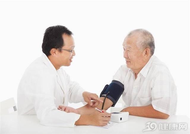 在家量血壓,做好5件事才會准!可惜,很多人都白量了