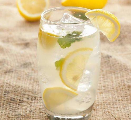 每天一杯檸檬水,堅持一個月,身體會出現4大好處,但有2點要做好