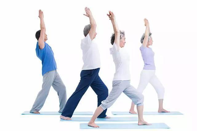 一套養生甩手操,每天甩手五分鐘,舒筋活血強健心臟,預防老年癡呆,讓你的壽命更長久