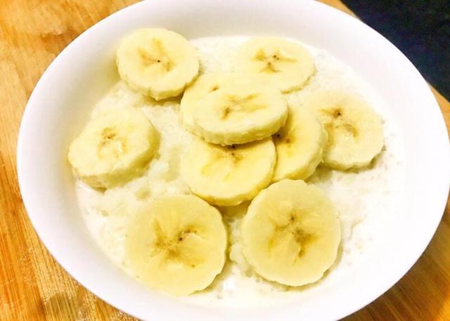 香蕉放進鍋里煮一煮,效果太棒了,解決了很多人的煩惱