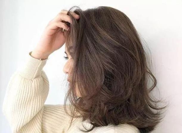 40歲女士中長髮怎麼弄最好看?這5款非常棒,尤其第3款,老公都愛~