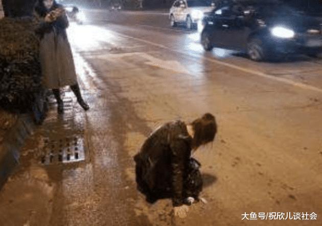 醉酒女子在路邊打車, 上車後司機故意繞遠路, 卻意外救了女子一命!