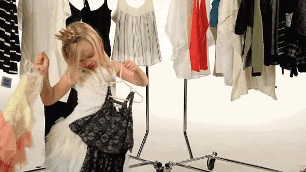 媽媽別再當著孩子的面換衣服了,其中的危害你想像不到!