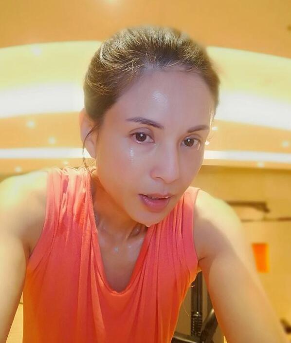 52歲最美小龍女,身材超好,李若彤自揭「一週要7次」!