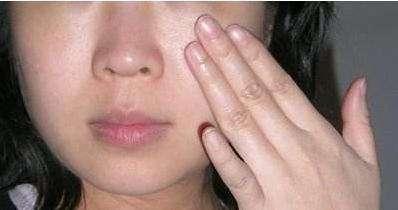 洗臉後習慣先水後乳?順序都搞反了,難怪皮膚越來越差,還發黃