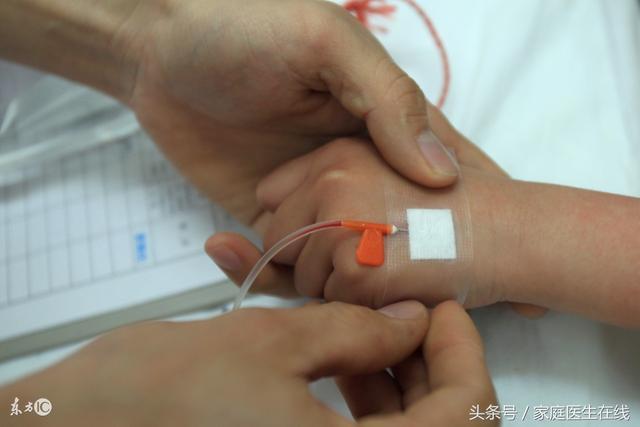 9歲男孩輸液期間身亡!醫生提醒:孩子輸液家長要觀察這3點
