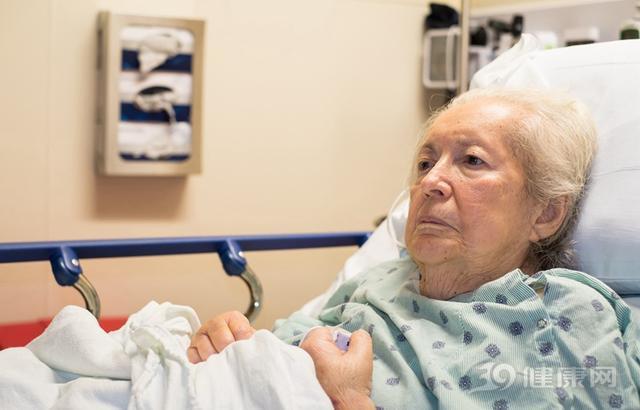 提醒:老年癡呆有三大早期信號,多少子女遺憾錯過!