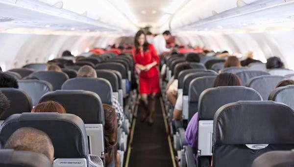 一問就知道是內行!作家用「4字關鍵」免費升到頭等艙 航空公司承認:確實有效