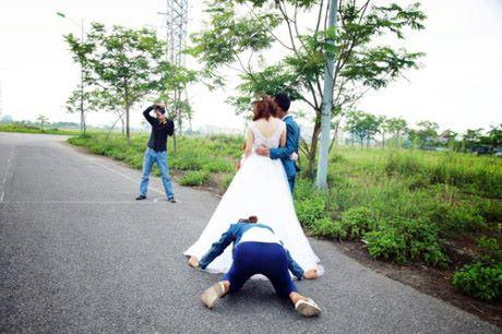 這16張「真實婚紗拍攝現場」照片,讓人深刻了解「婚紗攝影師」才是夫妻能幸福的關鍵!