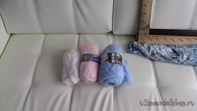 外國婦女真會玩,把毛線在釘子上簡單一繞,家裡麵地墊座墊就有了