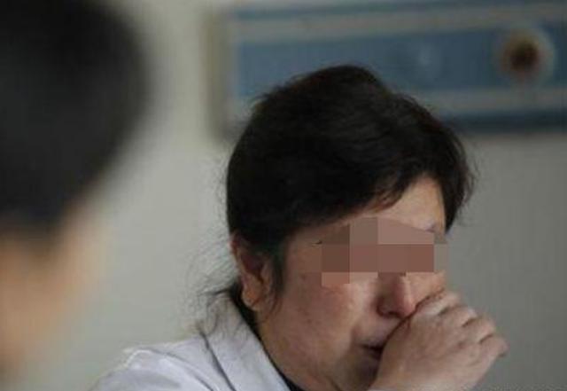 寶媽做手術,不見她丈夫蹤影,6歲兒子拿出照片,護士情緒失控!