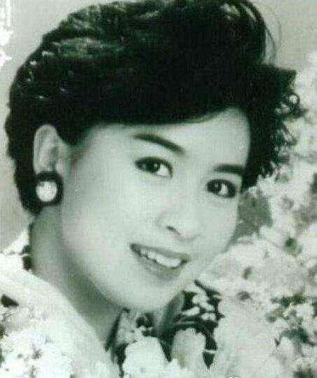 52歲劉嘉玲終於喜當媽媽,微博感嘆:感謝前世緣分讓我遇到你!