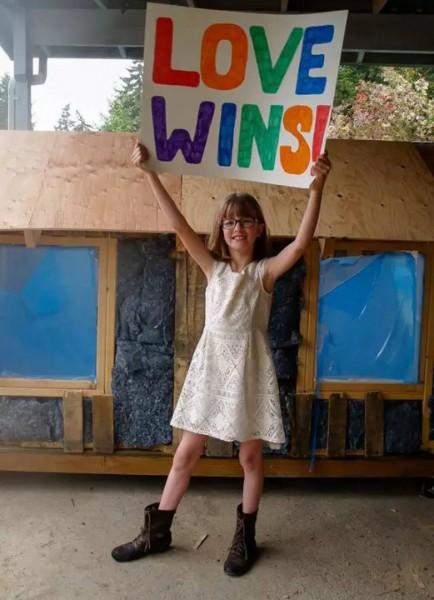 她只有9歲,卻種了4年菜,蓋了11座小木屋,餵飽了小鎮上所有的流浪漢!最後竟然······