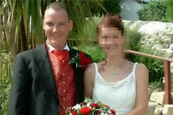 40歲爸爸殺了5歲女兒後自行結束生命,但他的妻子竟不怪他!還說:這是她應得的結局。原來背後有如此驚悚的理由看了都覺得虛偽
