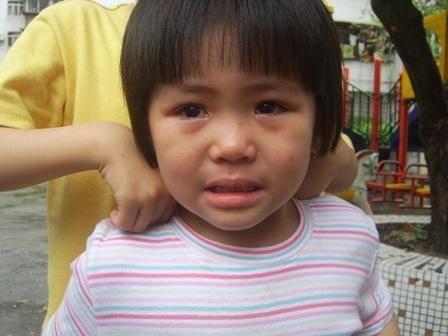 女兒四歲不善於表達,晚上我做夢嚇醒,隔天我趕回老家後悔終生!