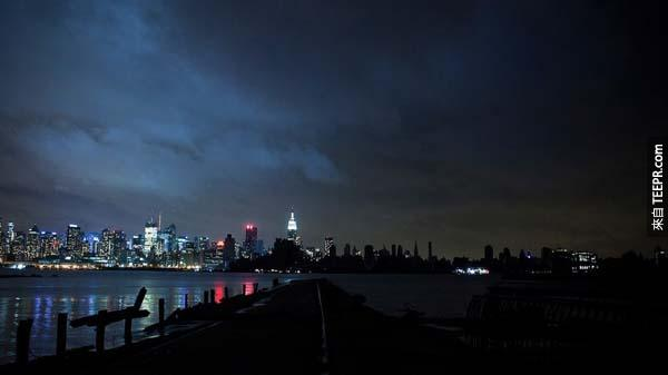 7.) Half of Manhattan, NY, lost power during the aftermath of Hurricane Sandy.