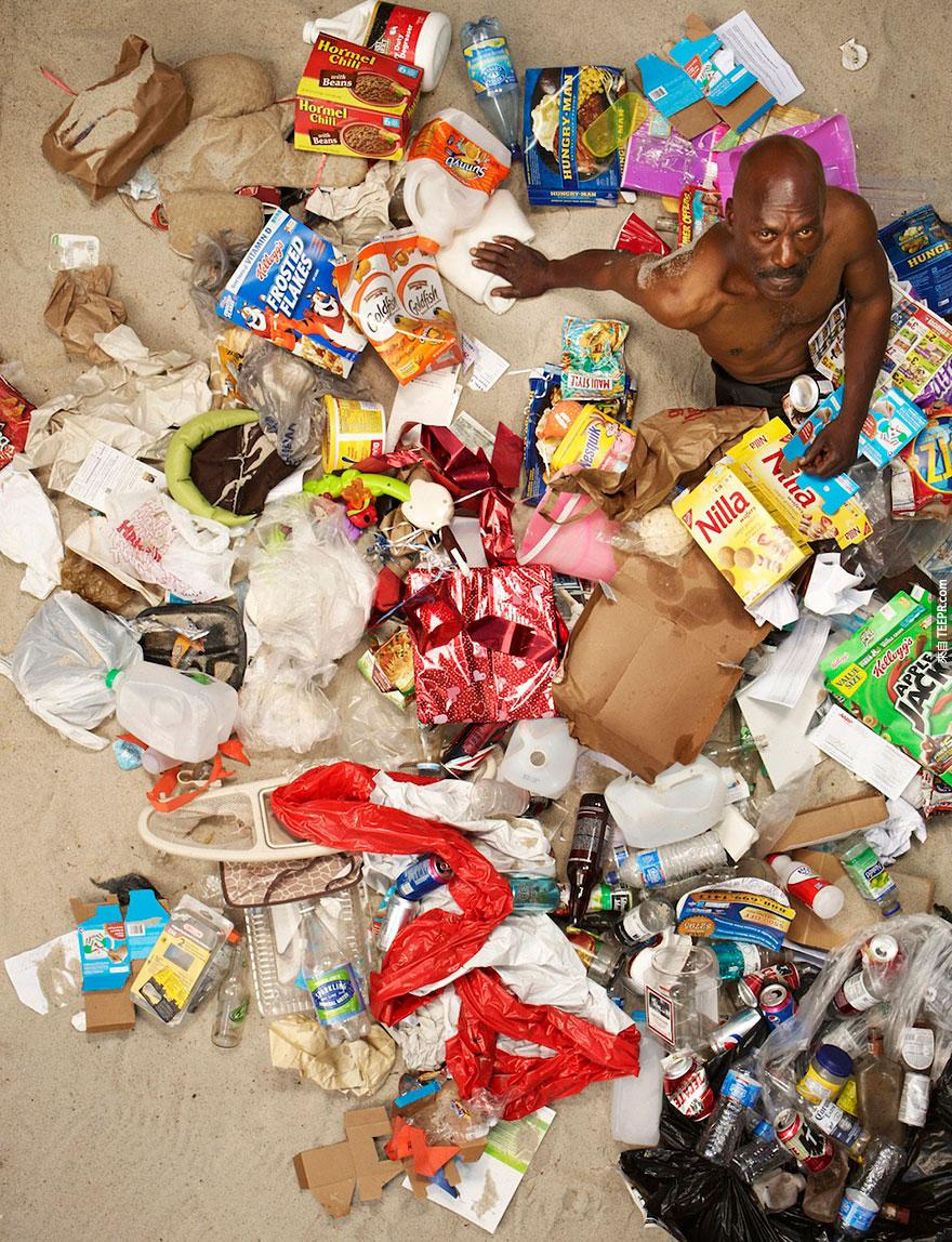 7-days-of-garbage-environmental-photography-gregg-segal-5