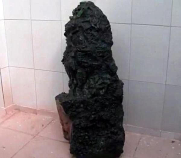 礦工挖出一塊700斤翡翠,價值高達9000000000新臺幣!竟然被「他」買走!