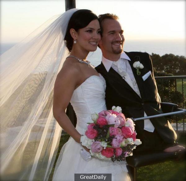 他即使沒有了四肢,握不了妻子的手,但卻抓得住她的心!
