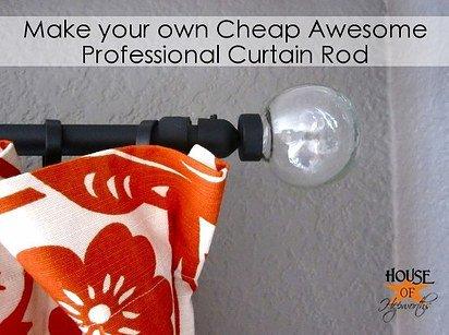 到五金行買電導管後,噴上喜歡的顏色,就能自製窗簾桿囉!
