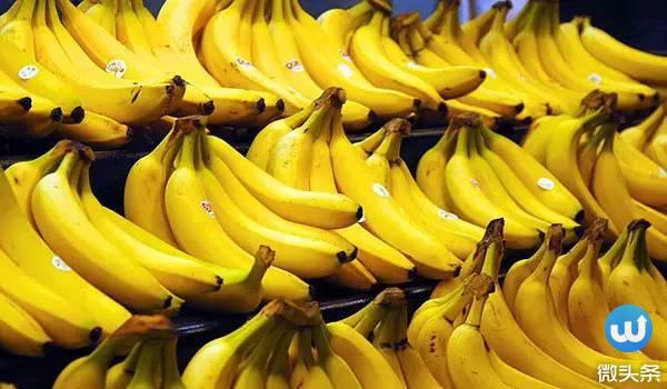 「香蕉皮煮水」竟有9種不為人知的「神奇功效」!我媽試兩種後尖叫到破音!實在太好用了