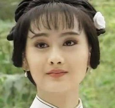 43歲陳德容麵如少女,每晚肌膚保養多一道這程序
